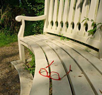 Meble drewniane do ogrodu - sprawdź, jakie mają zalety